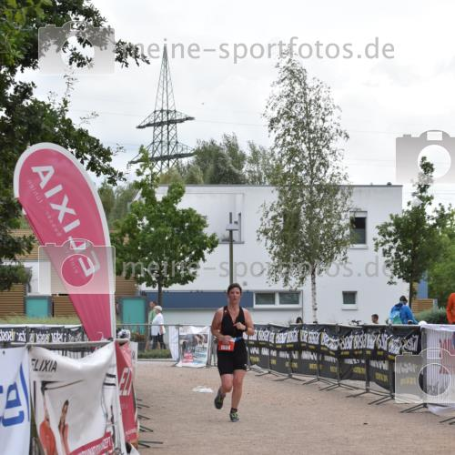 01.09.2019 - 13. Tribühne Triathlon E. Peters http://msf.ph/oto/2731730 01.09.2019 17:51:39 Ziel 1804 meine-sportfotos.de