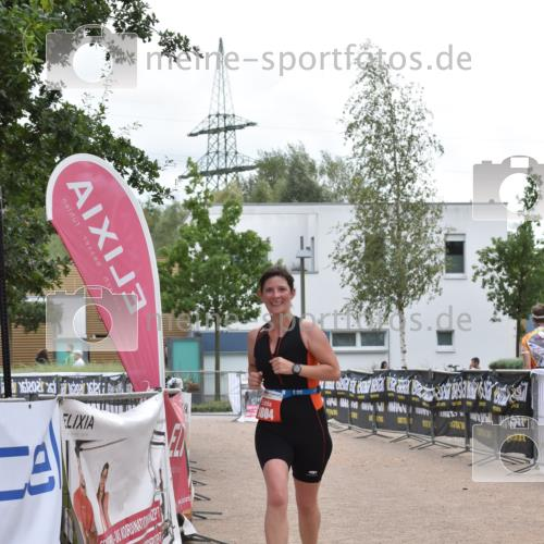 01.09.2019 - 13. Tribühne Triathlon E. Peters http://msf.ph/oto/2731739 01.09.2019 17:51:43 Ziel 1804 meine-sportfotos.de