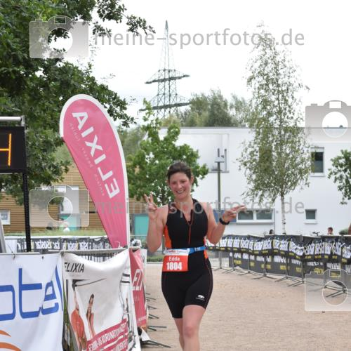 01.09.2019 - 13. Tribühne Triathlon E. Peters http://msf.ph/oto/2731742 01.09.2019 17:51:43 Ziel 1804 meine-sportfotos.de