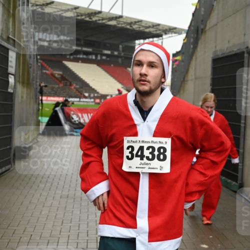 08.12.2019 - St. Pauli X-Mass-Run No. 9 E. Peters http://msf.ph/oto/3192897 08.12.2019 12:05:54 Ziel 2652, 2802, 2933, 2939, 3026, 3058, 3059, 3128, 3148, 3340, 3429, 3438, 3459, 3460, 3492 meine-sportfotos.de