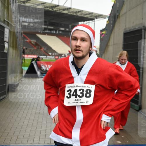 08.12.2019 - St. Pauli X-Mass-Run No. 9 E. Peters http://msf.ph/oto/3192898 08.12.2019 12:05:54 Ziel 2652, 2802, 2933, 2939, 3026, 3058, 3059, 3128, 3148, 3340, 3429, 3438, 3459, 3460, 3492 meine-sportfotos.de