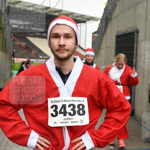 08.12.2019 - St. Pauli X-Mass-Run No. 9 E. Peters http://msf.ph/oto/3192900 08.12.2019 12:05:54 Ziel 2652, 2802, 2933, 2939, 3026, 3058, 3059, 3128, 3148, 3340, 3429, 3438, 3459, 3460, 3492 meine-sportfotos.de