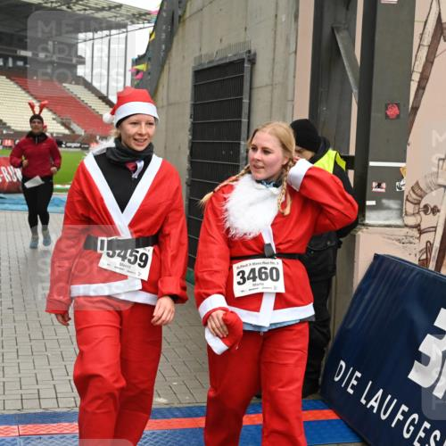 08.12.2019 - St. Pauli X-Mass-Run No. 9 E. Peters http://msf.ph/oto/3192903 08.12.2019 12:05:56 Ziel 2535, 2536, 2652, 2802, 2939, 3026, 3128, 3340, 3438, 3459, 3460, 3492 meine-sportfotos.de